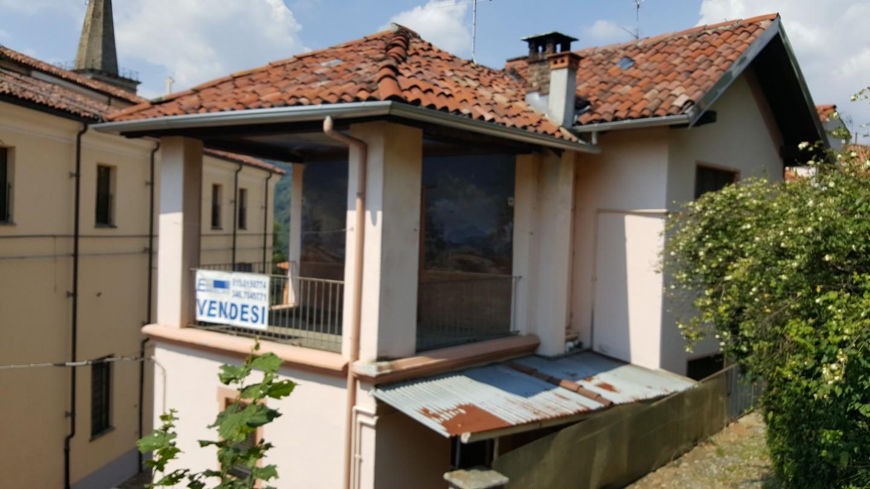 Alloggio con terrazzo coperto esse erre immobiliare for Appartamenti in affitto biella arredati