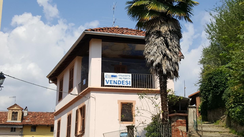Alloggio con terrazzo coperto - Esse Erre Immobiliare | Vendita e ...