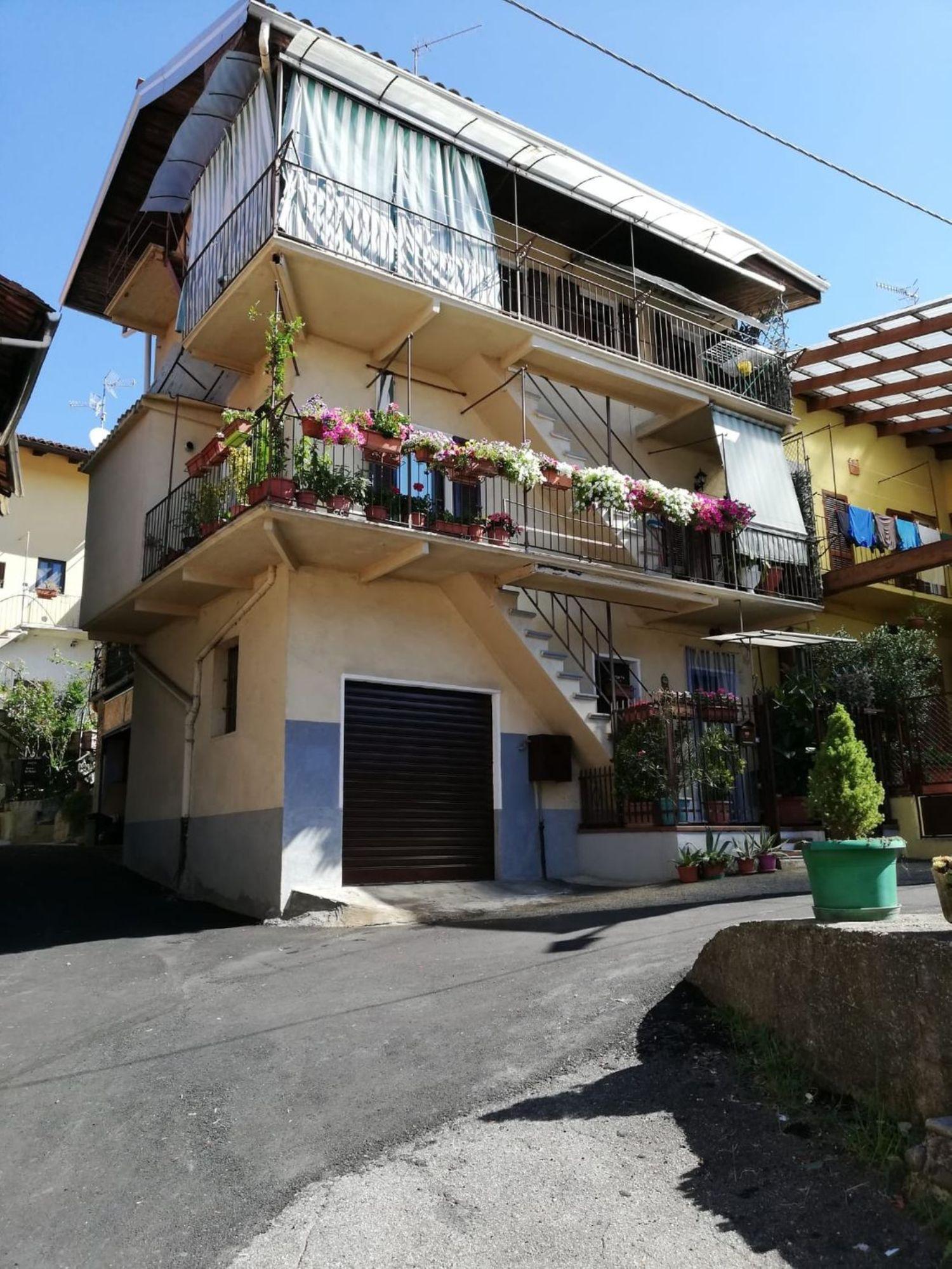 Casa / Villetta a schiera in vendita in via Imer Zona, 57, Cossato